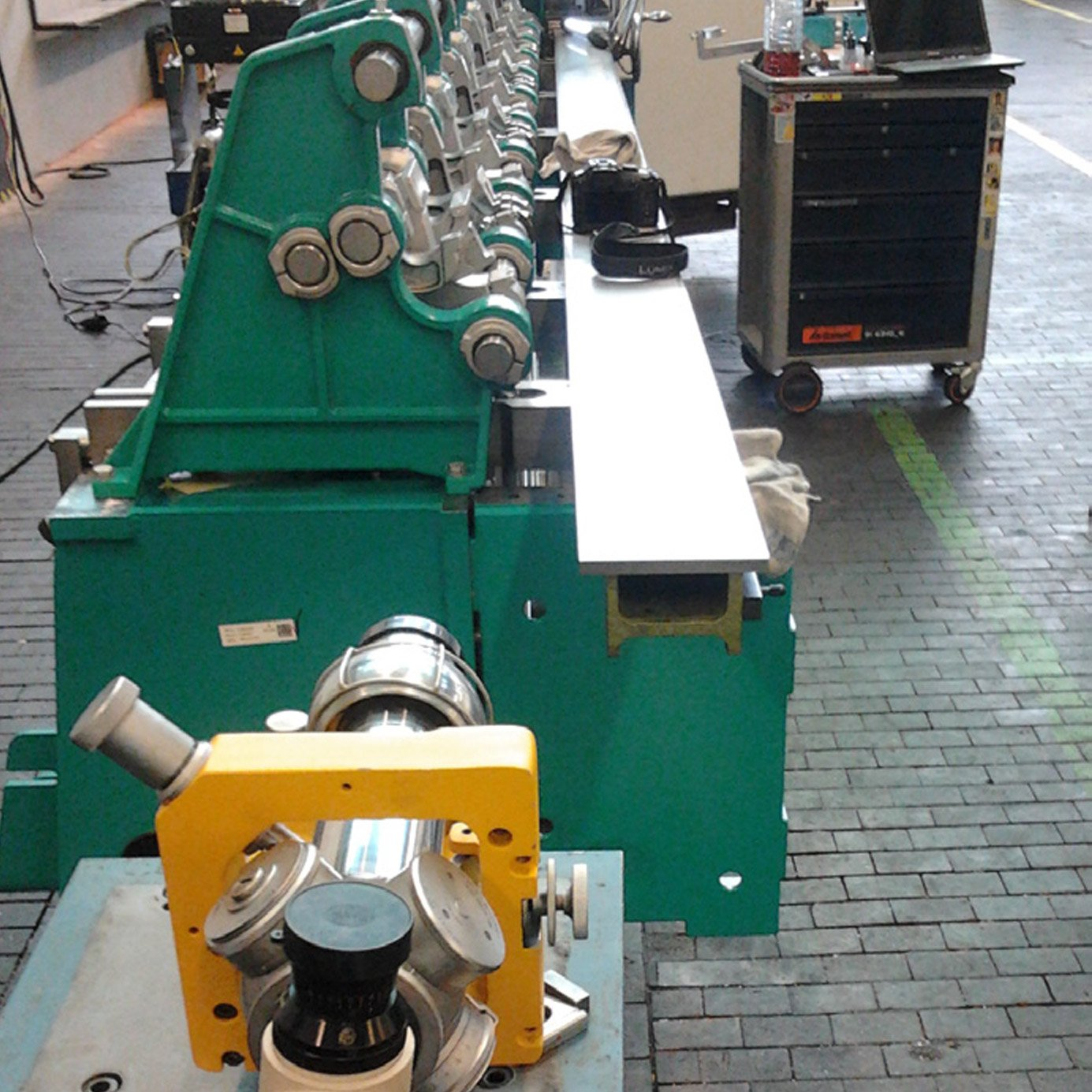 Micro Alignment Telescope for Textile Machine